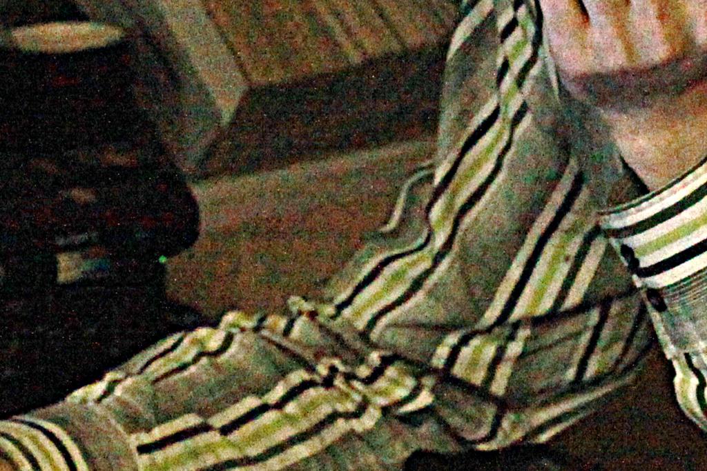 как убрать в фотошопе цветовой шум: mopassan.com/photo/photoshop/kak-ubrat-tsvetovoy-shum-s-foto.html